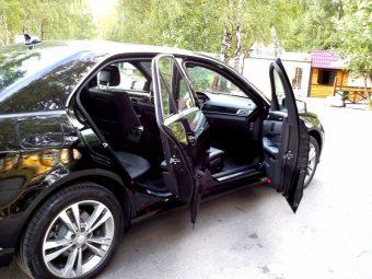 Авто бизнес класса Мерседес E212 AMG