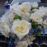 Свадебный букет на автомобиле