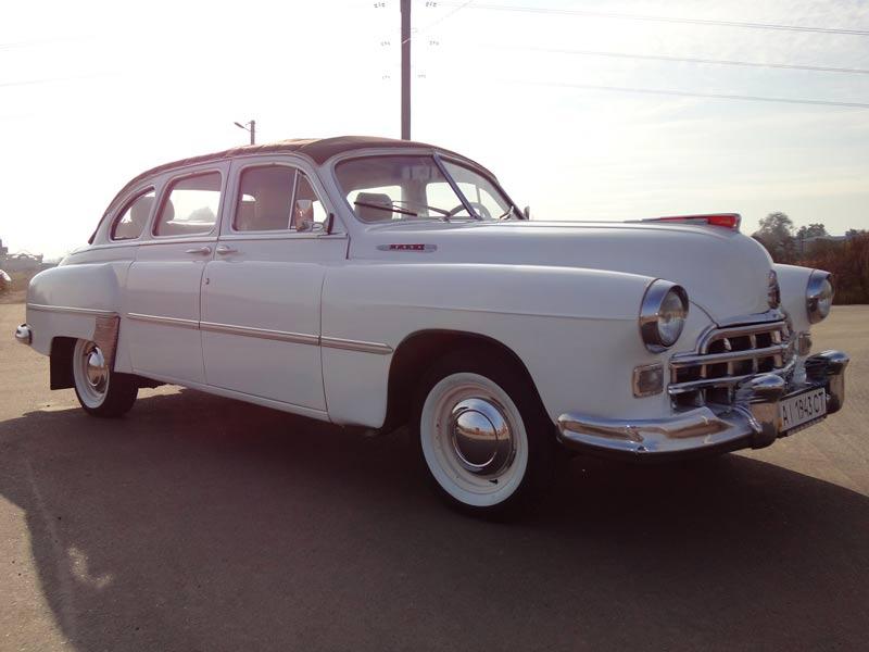 Белый ГАЗ-12 ЗИМ